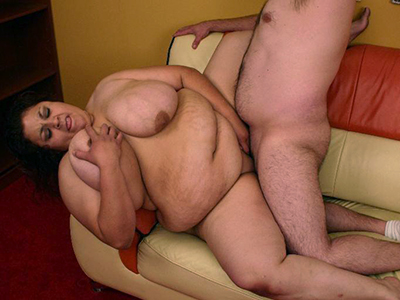 Plump and busty Reyna spreads her fat legs and enjoys a deep and nasty slit pounding