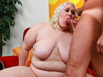 Foxy mature babe having her plump pussy pounded